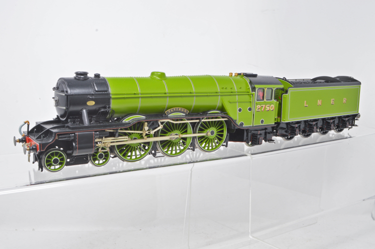 DJH Models Factory Built O Gauge Finescale LNER A1 4-6-2 - No.2750 'Papyrus'