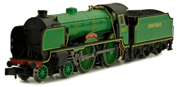"Dapol 2S-002-001 Class V Schools 4-4-0 902 ""Wellington"" Southern Pre-War Malachite Lined Green"