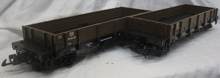 TRAIN 757-5805BR Pack of two Low Sided Gondola Wagons Brown