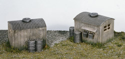 Wills SS22 Lamp Huts With Oil Drums (2)