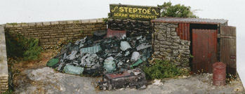 Wills SS40 Scrapyard, Small Stone Built & Scrap Pile