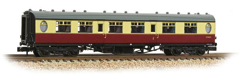 Graham Farish 376-201 LNER Thompson First Corridor BR