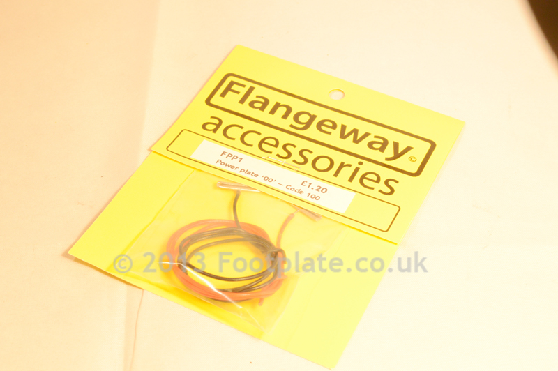 Flangeway FPP1 Power Plate '00' - Code 100 - Rail joiners with power feeds