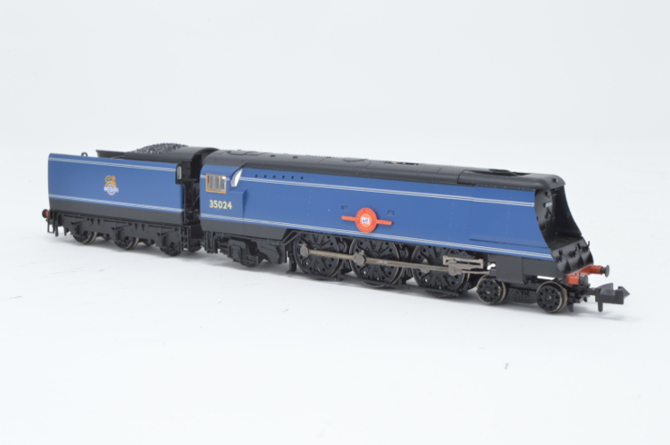Graham Farish 372-310 4-6-2 Merchant Navy Class 'East Asiatic Company' '35024' BR Express Blue