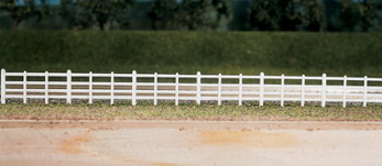Ratio 424 Lineside fencing, White (4 bar)