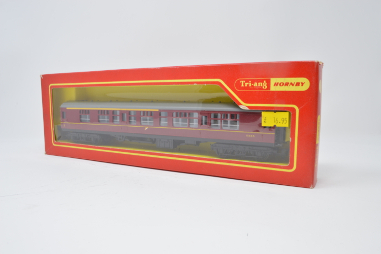 Hornby R422 !st/2nd Class Composite BR Maroon