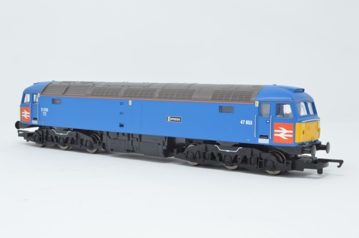 Hornby R2422 Class 47 Diesel Electric '47853' Riviera Trains Co